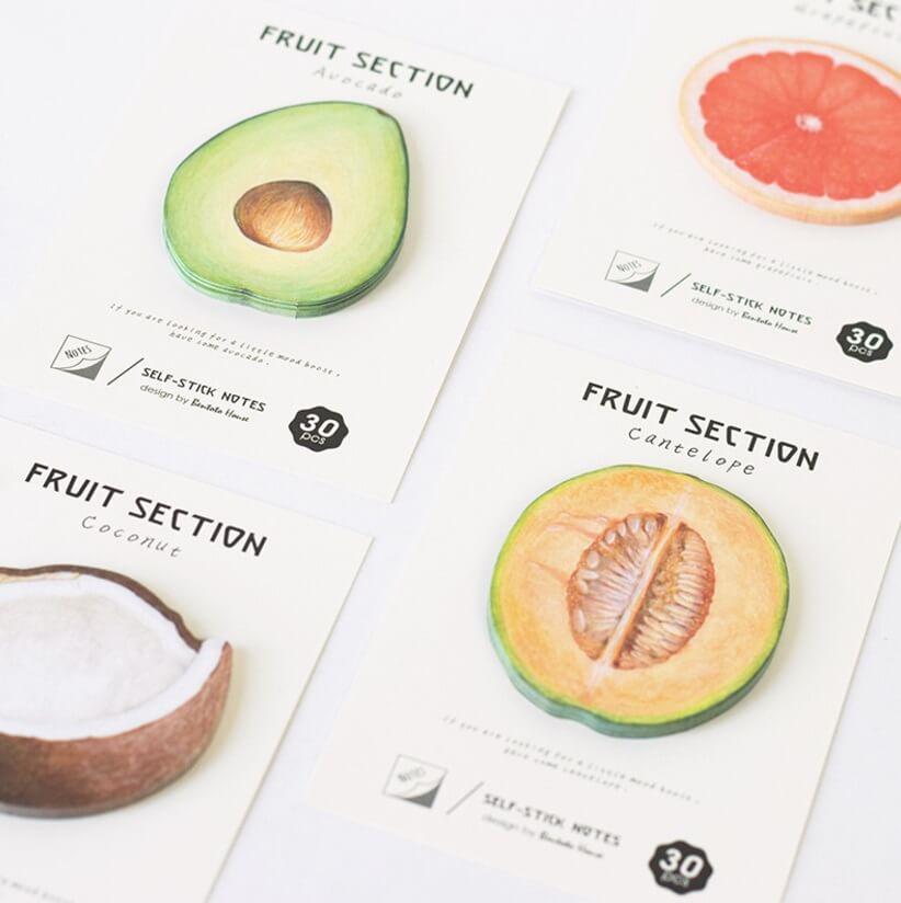 notas adhesivas con forma de frutas